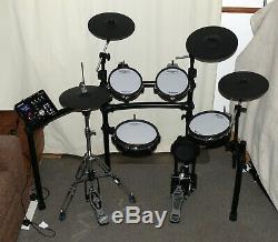 Roland TD-25KV NEW VERSION electronic V Drums kit with VH-11 hi hat SUPERB