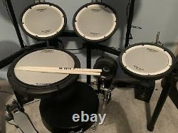Roland Td-17KV Electronic Drum Kit Mesh Head Pearl Bass Pedal And Stall