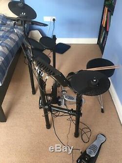 Yamaha DTX452 Electronic Drum Kit & Tourtech Throne, AKG K52 Headphones & Sticks