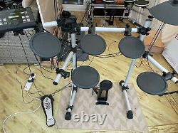 Yamaha DTX500 Electronic drum kit with 3 zone pad upgrade. Can do rim click