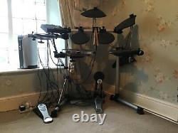 Yamaha DTX500 electronic drum kit great starter kit and in good condition
