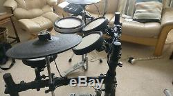 Yamaha DTX562K Electronic Drum Kit (with bass pedal and hi-hat stand)