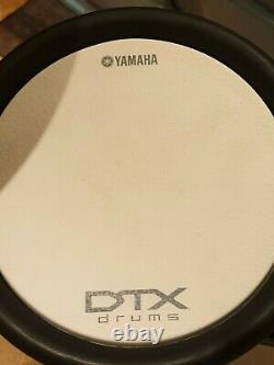 Yamaha DTX700K ELECTRONIC DRUM KIT and Extras